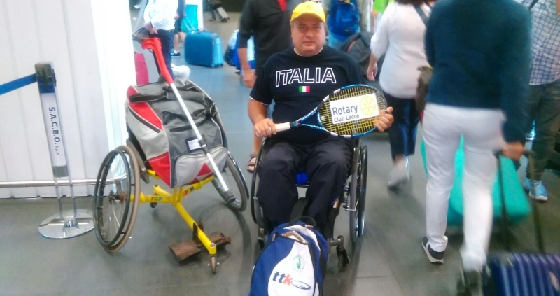 Ryanair rimborsa il tennista disabile: